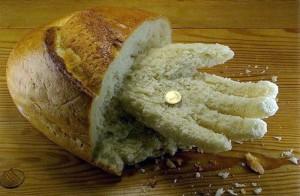 painea-intinsa-care-nu-spune-o-poveste-nu-primeste-nimic